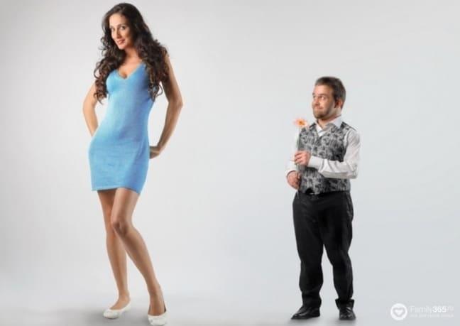 Почему мужчинам нравятся маленькие женщины